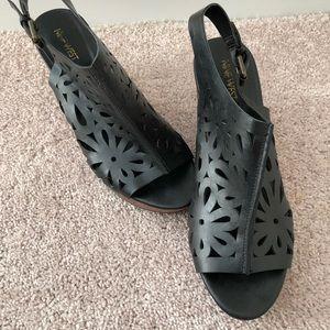 Nine West Wedge Black leather Cutout Shoes